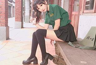 台湾合法萝莉晒白丝美腿照